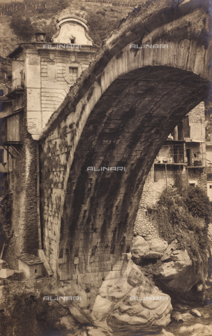 """CGD-F-000024-0000 - """"Speculum Romanae Magnificentiae"""": Pont-Saint-Martin in Val d'Aosta - Date of photography: 1929 - Fratelli Alinari Museum Collections-Corinaldi Donation, Florence"""
