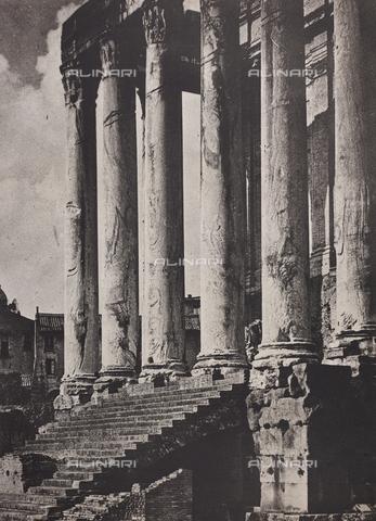 CGD-F-000027-0000 - Church of San Lorenzo in Miranda, Rome - Date of photography: 1930-1940 - Fratelli Alinari Museum Collections-Corinaldi Donation, Florence