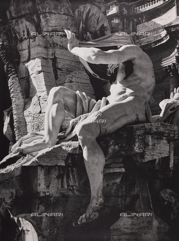 CGD-F-000773-0000 - The Nile, detail of the Fontana dei Fiumi, Giacomo Antonio Fancelli (1619-1671), Piazza Navona, Rome - Data dello scatto: 1955 ca. - Fratelli Alinari Museum Collections-Corinaldi Donation, Florence