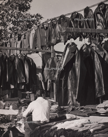 CGD-F-000777-0000 - Stall of leather jackets - Date of photography: 1955-1965 - Fratelli Alinari Museum Collections-Corinaldi Donation, Florence