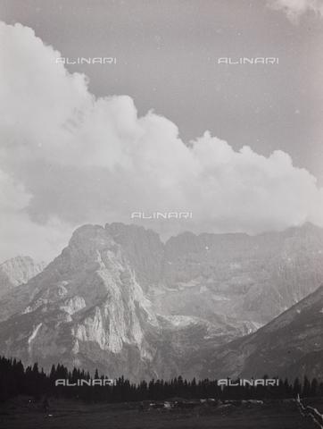 """CGD-F-000977-0000 - """"Ultime luci"""" - Data dello scatto: 1955-1965 - Raccolte Museali Fratelli Alinari (RMFA)-donazione Corinaldi, Firenze"""