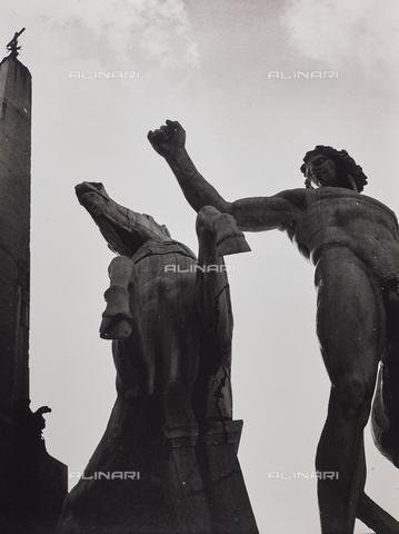 CGD-F-001129-0000 - Fontana dei Dioscuri, particolare, piazza del Quirinale - Data dello scatto: 1955 ca. - Raccolte Museali Fratelli Alinari (RMFA)-donazione Corinaldi, Firenze