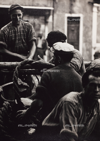 CGD-F-001132-0000 - Fishermen - Data dello scatto: 1955-1965 - Fratelli Alinari Museum Collections-Corinaldi Donation, Florence