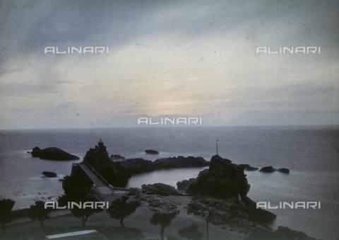 CHA-F-AU0192-0000 - Sunset at Biarritz, France - Data dello scatto: 1920-1925 ca. - Archivi Alinari, Firenze