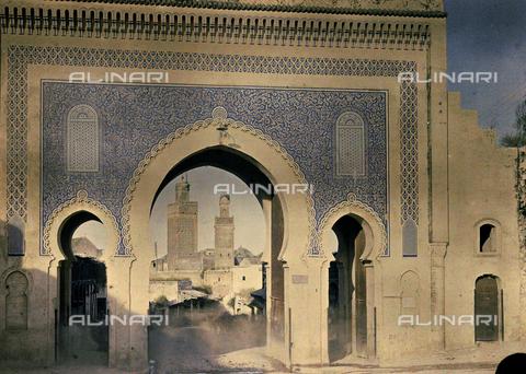 CHA-F-AU0411-0000 - The blue port of Fez - Data dello scatto: 1907 - Archivi Alinari, Firenze