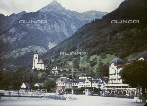 CHA-F-AU0605-0000 - Flüelen, a small town at the southern end of the Urnersee (Lake Uri), in Switzerland - Data dello scatto: 1910-1920 ca. - Archivi Alinari, Firenze