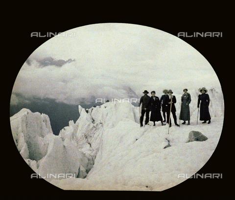CHA-F-AU0610-0000 - A glacier in Switzerland - Data dello scatto: 1910-1920 ca. - Archivi Alinari, Firenze
