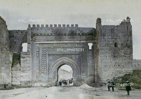 CHA-F-AU0628-0000 - A city gate, Morocco - Data dello scatto: 1907 - Archivi Alinari, Firenze