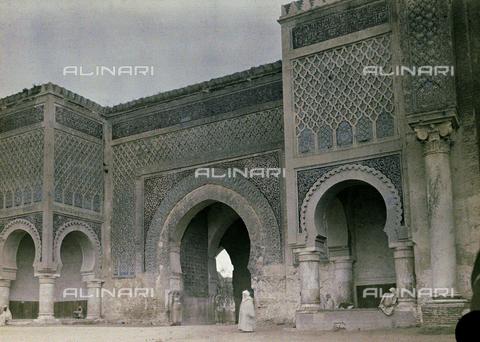 CHA-F-AU0630-0000 - The Bab el-Mansour gate in Meknes, Morocco - Data dello scatto: 1907 - Archivi Alinari, Firenze