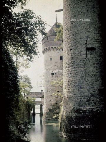 CHA-F-AU0717-0000 - Two large towers of Chillon castle, near Montreux, Switzerland - Data dello scatto: 1910-1920 - Archivi Alinari, Firenze