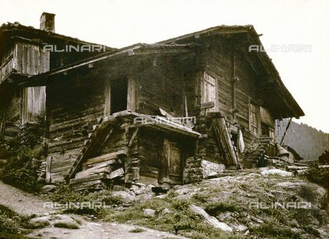 CHA-F-AU0729-0000 - A refuge on the Grindelwald Glacier in Switzerland - Data dello scatto: 1910-1920 ca. - Archivi Alinari, Firenze
