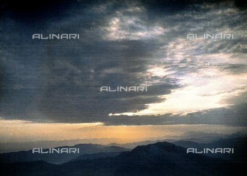 CHA-F-AU0746-0000 - Sunset at Rigi-Kulm, locality in the Swiss alps - Data dello scatto: 1910-1920 ca. - Archivi Alinari, Firenze