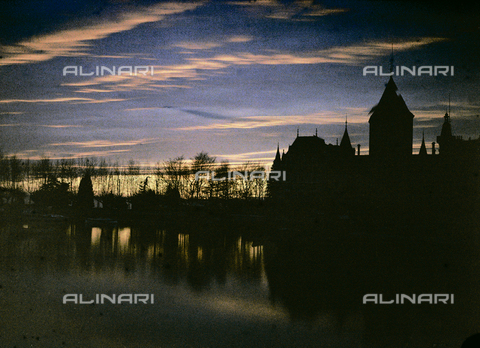 CHA-F-AU0756-0000 - Sunset in Lausanne, Switzerland - Data dello scatto: 1910-1920 ca. - Archivi Alinari, Firenze