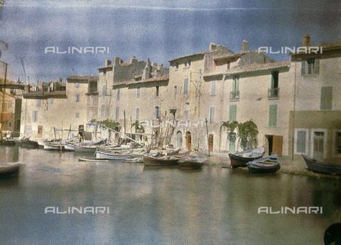 CHA-F-AU1084-0000 - View of Martigues - Data dello scatto: 1910-1920 ca. - Archivi Alinari, Firenze