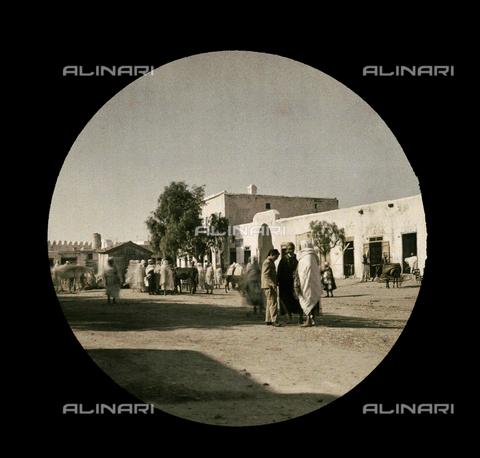 CHA-F-AU1120-0000 - African dwelling places - Data dello scatto: 1910-1920 ca. - Archivi Alinari, Firenze