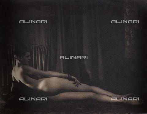 CMA-F-000318-0000 - Male nude - Data dello scatto: 1935 -1945 - Archivi Alinari, Firenze
