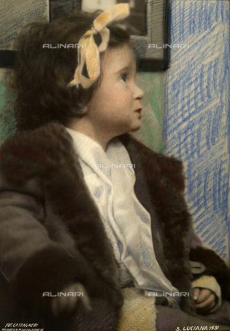 CMA-F-000485-0000 - Portrait of Luciana daughter of the photographer Lando Colombo - Data dello scatto: 1931 - Archivi Alinari, Firenze