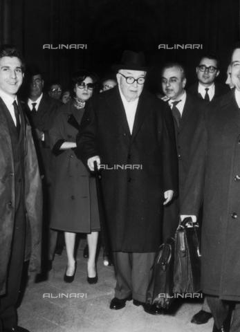 DAA-F-000187-0000 - Delitto di Maria Martirano, il caso Ghiani-Fenaroli. L'avvocato Carne Utti e Anna Magnani entrano al processo - Data dello scatto: 1958-1962 - Dufoto / Archivi Alinari