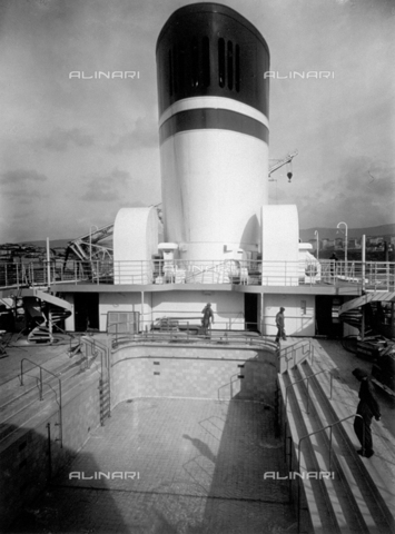 DPD-F-000015-0000 - View of the swimming pool of the ship 'Conte di Savoia' - Data dello scatto: 1935 ca. - Archivi Alinari, Firenze