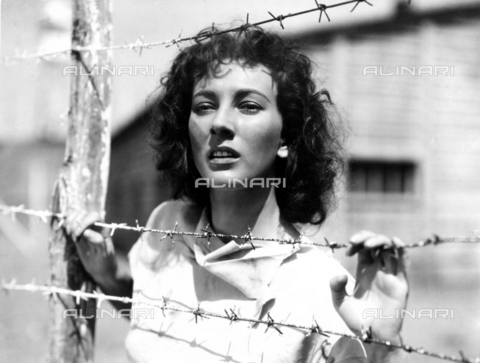 "EVA-S-001031-2026 - L'attrice Valentina Cortese in una scena tratta dal film ""L'ebreo errante"" (The wandering jew) del 1948 - Data dello scatto: 1948 - © Mary Evans / Archivi Alinari, Ronald Grant Archive"