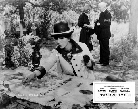 "EVA-S-001048-5799 - The actress Valentina Cortese in a scene from the film ""The girl who knew too much"" of 1963 - Data dello scatto: 1963 - GALATEA FILM / CORONET SRL / Ronald Grant Archive / © Mary Evans / Alinari Archives"