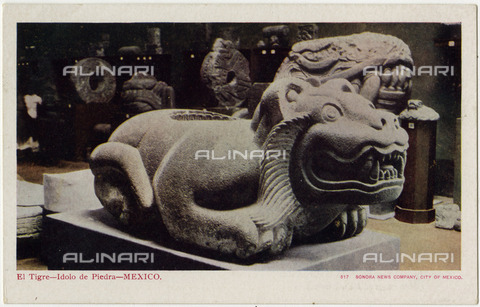 EVA-S-001109-4486 - Jaguar-shaped statue with niche to store the hearts of sacrificial victims, Aztec art, Great Pyramid (or Templo Mayor), Tenochtitlan, Mexico City - Data dello scatto: 1930 ca. - Grenville Collins Postcard Collection / © Mary Evans / Alinari Archives