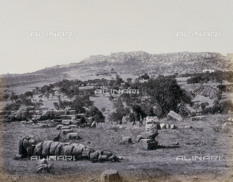 FBQ-A-006106-0031 - The remains of the Temple of Jove in the Valley of the Temples in Agrigento - Data dello scatto: 1880 ca. - Archivi Alinari, Firenze