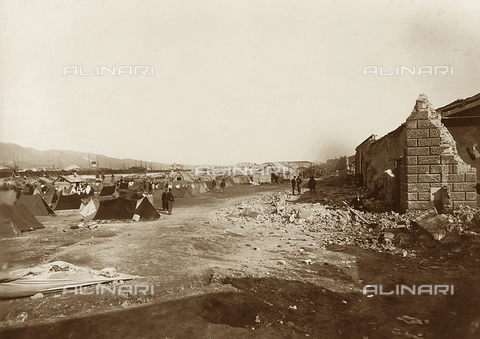 FBQ-A-006140-0012 - Set up tents for the earthquake of Messina - Data dello scatto: 1908 - Archivi Alinari, Firenze