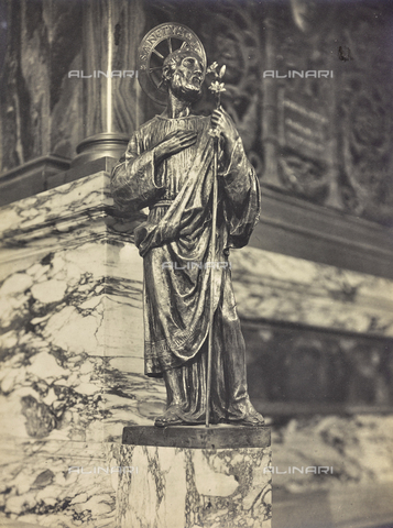 """FBQ-A-006160-0019 - Album """"The New Works in the Holy House of Loreto / Homage of the architect Guido Cirilli"""": Saint Joseph (new statue created during the reconstruction after the fire) - Date of photography: 1922-1930 - Fratelli Alinari Museum Collections, Florence"""