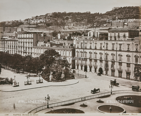 "FBQ-A-006180-0003 - Album ""Italie 1882, Naples, Pise, Gênes, Corniche"": View of Chiaia Riviera with the Municipal Villa of Naples - Data dello scatto: 1870-1882 - Archivi Alinari, Firenze"