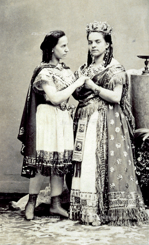 FBQ-A-006270-0229 - Portrait of the Marchisio sisters in stage costume - Data dello scatto: 1860 -1870 ca. - Archivi Alinari, Firenze
