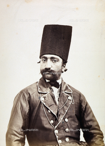 FBQ-A-006327-0002 - Portrait of a male in traditional clothing. Iran - Data dello scatto: 1860 ca. - Archivi Alinari, Firenze