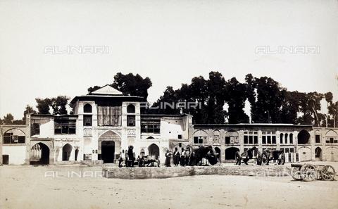 FBQ-A-006327-0015 - Un palazzo in Iran - Data dello scatto: 1860 ca. - Archivi Alinari, Firenze