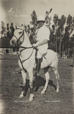 FBQ-A-006620-0074 - Album of the Marquis Giuseppe Colli Felizzano - Ethiopia / Argentina: portrait of a horse during a game of polo, Addis Ababa