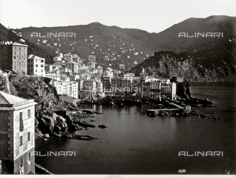 FBQ-F-000361-0000 - Panorama of Camogli, Italy, in the foreground a stretch of sea, in the background, hills - Data dello scatto: 1870 - 1880 - Archivi Alinari, Firenze