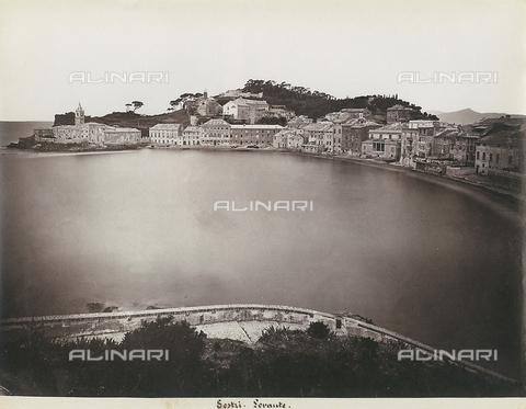 FBQ-F-000364-0000 - Panorama of the town of Sestri Levante in the vicinity of Genoa - Data dello scatto: 1870 - 1880 - Archivi Alinari, Firenze