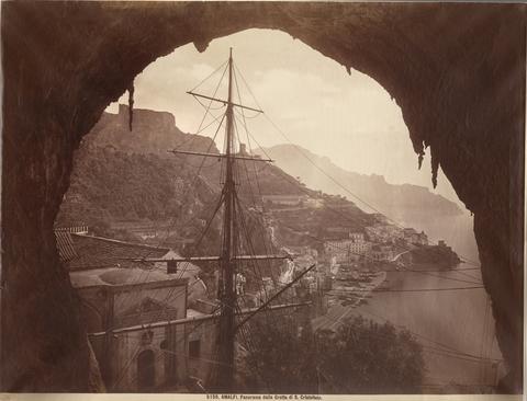 """FBQ-F-000877-0000 - """"Amalfi. Panorama dalla Grotta di S. Cristofano"""" - Data dello scatto: 1880 ca. - Archivi Alinari, Firenze"""