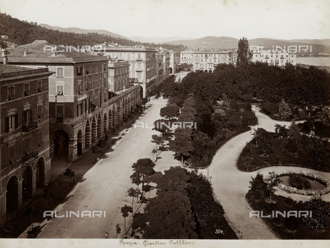 FBQ-F-001135-0000 - Panorama of the public park of La Spezia, characterized by lush vegetation - Data dello scatto: 1870 -1880 - Archivi Alinari, Firenze