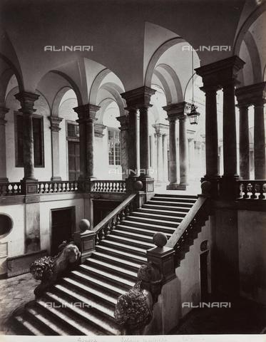FBQ-F-001145-0000 - Veduta della scalinata del Palazzo dell'Università di Genova - Data dello scatto: 1870 ca. - Raccolte Museali Fratelli Alinari (RMFA), Firenze
