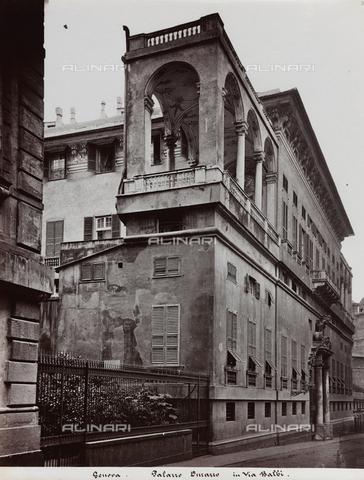 FBQ-F-001148-0000 - Scorcio di Palazzo Durazzo Pallavicini a Genova. In primo piano la loggia soprelevata - Data dello scatto: 1870 -1880 ca. - Raccolte Museali Fratelli Alinari (RMFA), Firenze