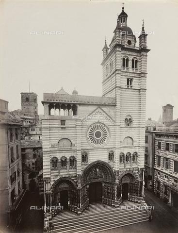FBQ-F-001153-0000 - Facciata della Cattedrale di San Lorenzo a Genova - Data dello scatto: 1870 -1880 ca. - Raccolte Museali Fratelli Alinari (RMFA), Firenze