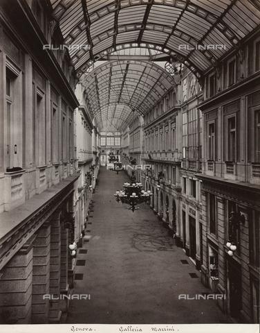 FBQ-F-001155-0000 - Veduta dell'interno della Galleria Mazzini (1880) a Genova - Data dello scatto: 1880 -1900 ca. - Raccolte Museali Fratelli Alinari (RMFA), Firenze
