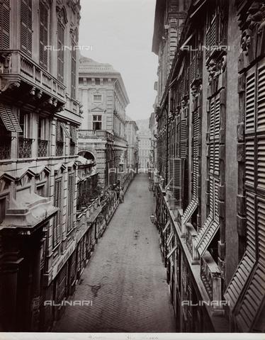 FBQ-F-001158-0000 - Veduta di Via Nuova (oggi Via Garibaldi) a Genova, fiancheggiata da eleganti palazzi - Data dello scatto: 1870 -1880 ca. - Raccolte Museali Fratelli Alinari (RMFA), Firenze