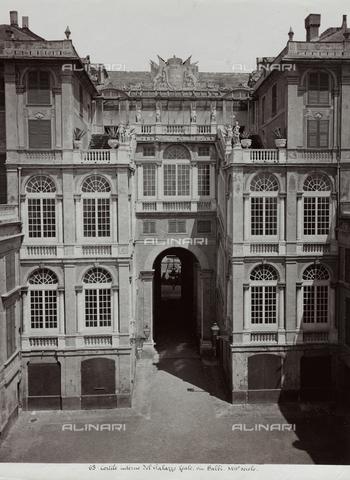 FBQ-F-001171-0000 - Scorcio del cortile interno di Palazzo Reale a Genova - Data dello scatto: 1880 -1890 ca. - Raccolte Museali Fratelli Alinari (RMFA), Firenze
