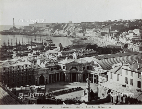 FBQ-F-001183-0000 - Panorama of Genoa from the Naval School. In the foreground Piazza Acquaverde with the Principe Railroad Station. In the background a stretech of the harbor with boats at anchor and the lighthouse - Data dello scatto: 1870 -1880 ca. - Archivi Alinari, Firenze