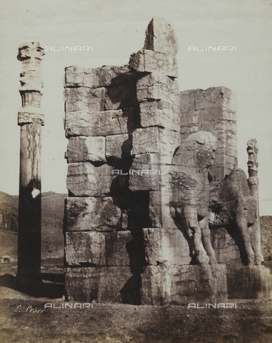 FBQ-F-002041-0000 - Ruins of a palace in Persepolis, Iran - Data dello scatto: 1855 ca. - Archivi Alinari, Firenze