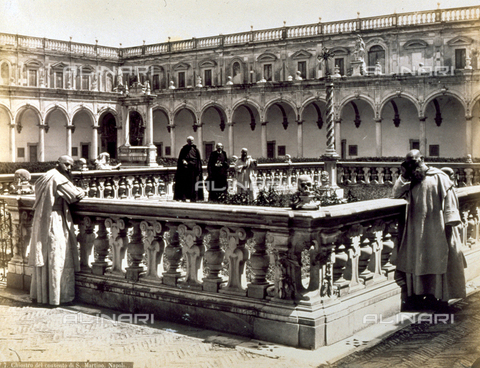 FBQ-F-002135-0000 - The Great Cloister of the San Martino Certosa (charterhouse) in Napoli with some charterhouse monks - Data dello scatto: 1870 ca. - Archivi Alinari, Firenze