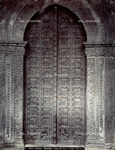 FBQ-F-002136-0000 - Great door made in bronze, from Monreale Cathedral in Palermo - Data dello scatto: 1870 - 1875 ca. - Archivi Alinari, Firenze