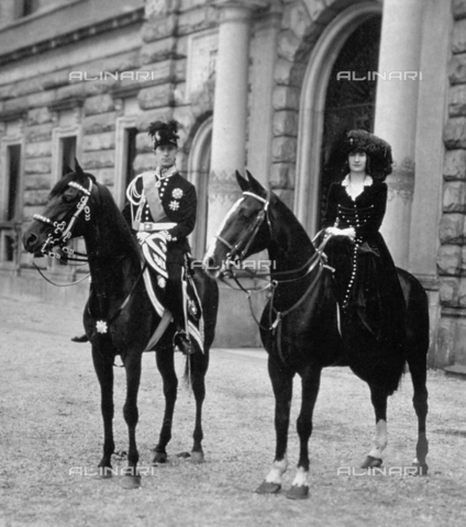 FBQ-F-002141-0000 - Portrait on horseback of Filiberto of Savoy duke of Pistoia and his sister Bona of Savoy - Date of photography: 1915 ca. - Fratelli Alinari Museum Collections, Florence