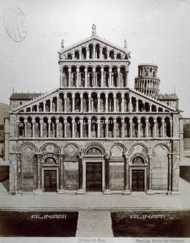 FBQ-F-002516-0000 - The facade of the Cathedral in Pisa. In the background the top of the Leaning Tower can be seen - Data dello scatto: 1860 - 1870 - Archivi Alinari, Firenze